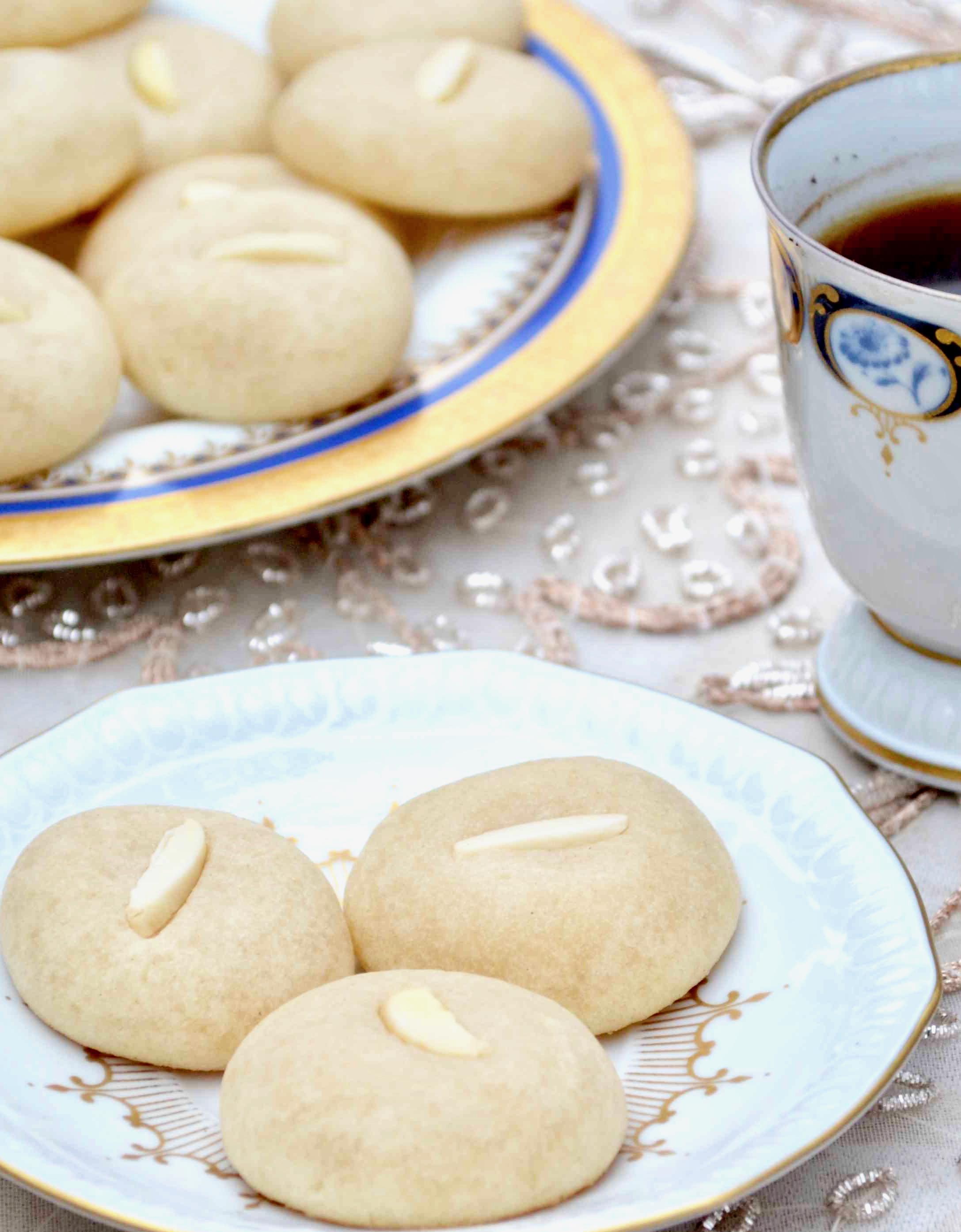 Arabic Food Made Easy - Measuring Cups, Optional